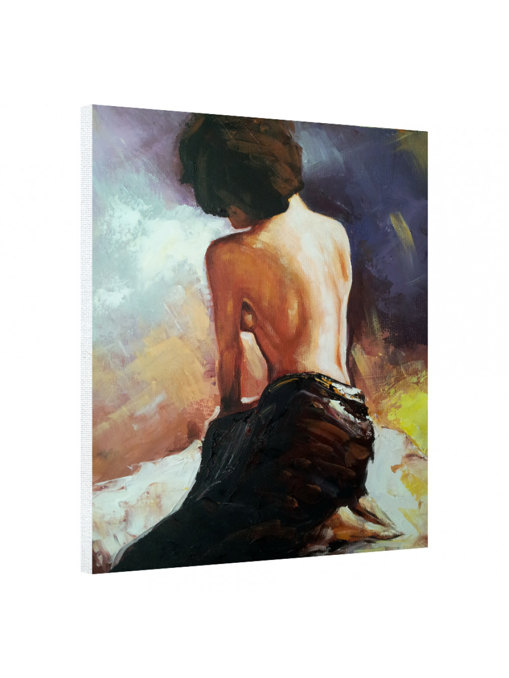 The woman is standing with her back_WMN192_0