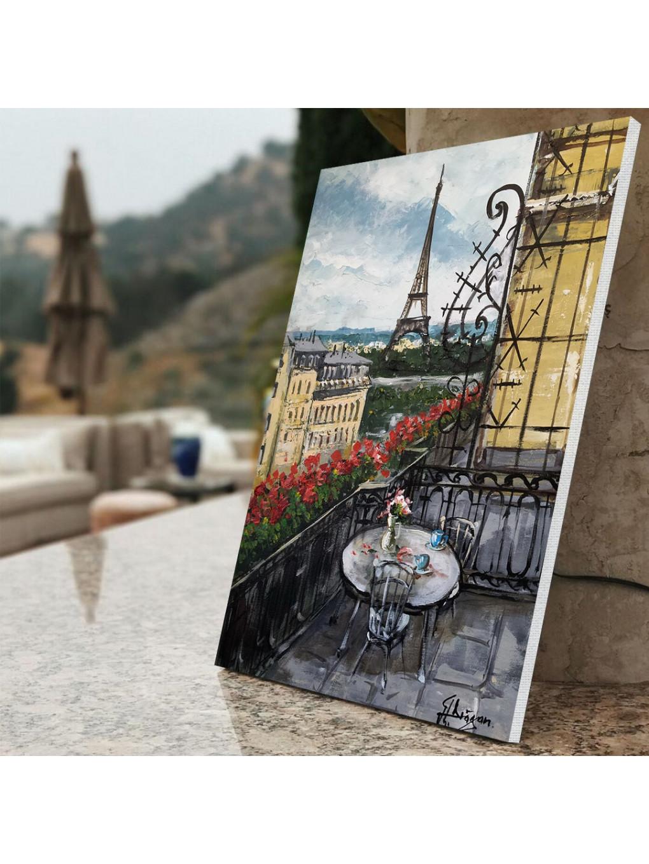 A beautiful view of Eiffel Tower_EIF199_3